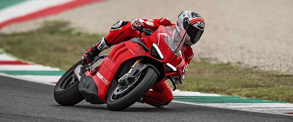 DUCATI-PANIGALE-V4-R-Ducati-Verona